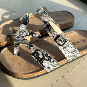 NIB Snakeskin Double Buckle Sandals